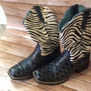 Ariat short western boot